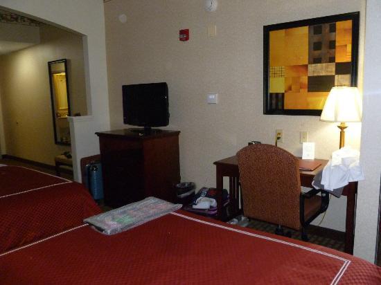 Quality Suites : bureau+tv