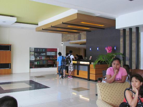Subic Bay Venezia Hotel: reception area