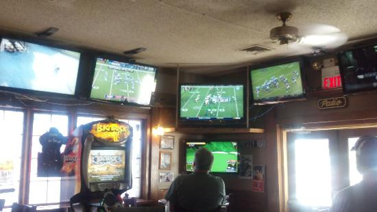 Philly's Sports Bar & Grill: Football Utopia
