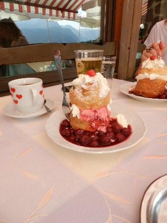 Gasthaus Café Graflhöhe Windbeutelbaron: So schaut ein Nachtisch aus!