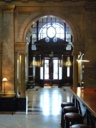 هوتل 1898: Lobby 