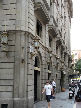 Hotel 1898: Outside