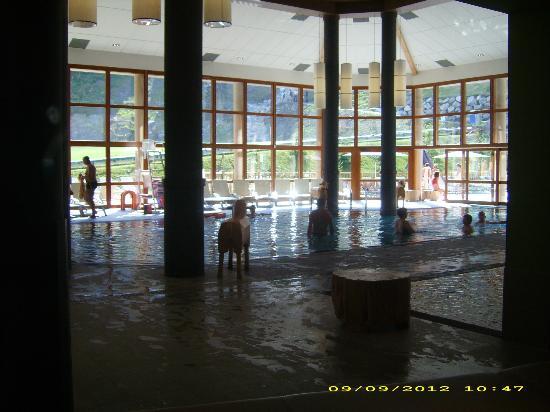 Piscine interieur photo de club med valmorel valmorel for Valmorel piscine spa