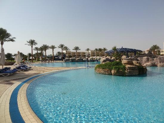 SENTIDO Palm Royale: The Pool
