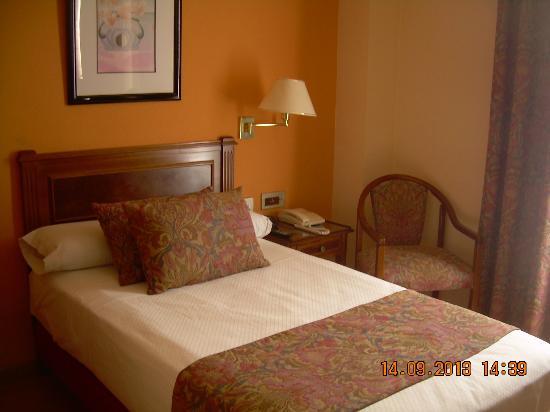 Hotel Comfort Dauro 2: Very comfortable bed