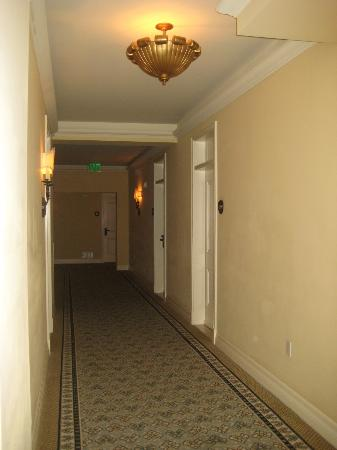 Casa del Mar : the hallway