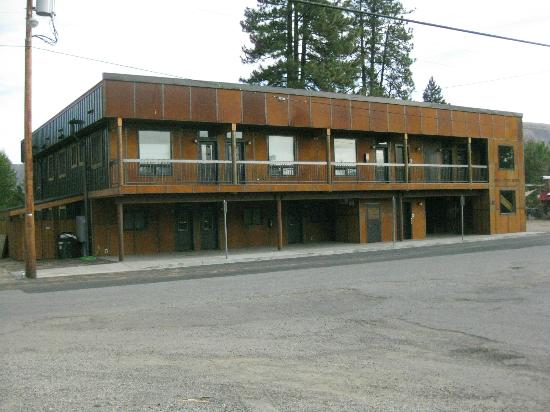 Twisp River Suites exterior