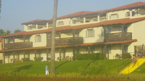 Embassy Suites by Hilton Mandalay Beach Resort: Building 8 as seen from the beach