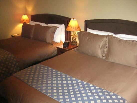 Twisp River Suites: Double queen beds