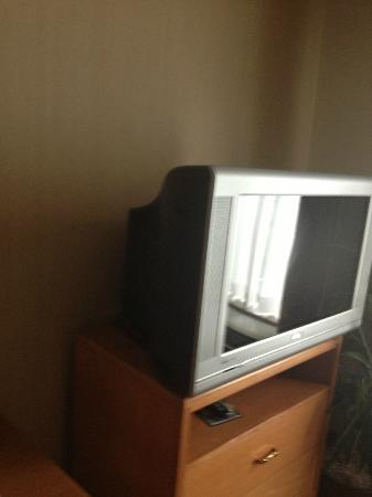 Homewood Suites by Hilton Hartford South-Glastonbury: No flat screen here in Living area
