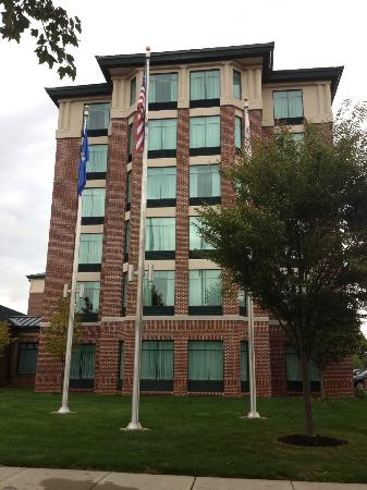 Homewood Suites by Hilton Hartford South-Glastonbury: Front of Homewood Suites