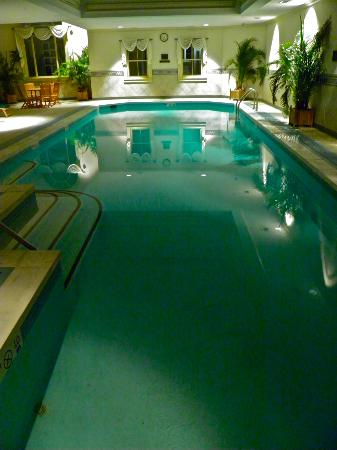 The Jefferson Hotel: Indoor pool (late evening view)