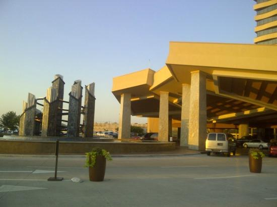 Choctaw Casino Resort: Choctaw front entrance