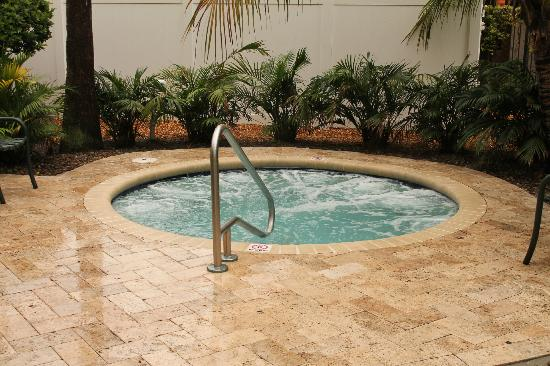 Wyndham Palm-Aire: One two hot tubs