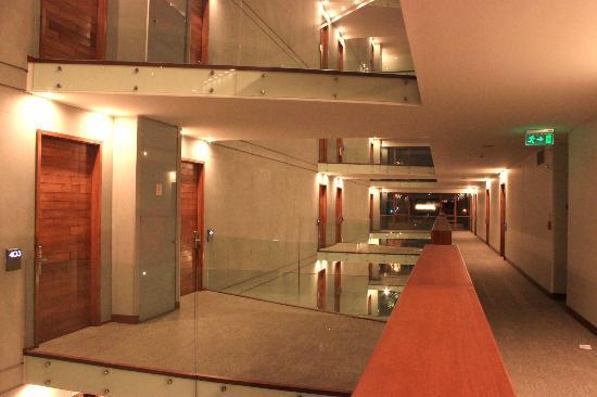 Noi Vitacura: Visão da arquitetura do hotel