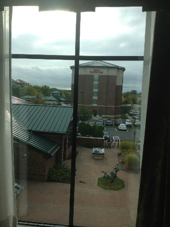 Homewood Suites by Hilton Hartford South-Glastonbury: View from bedroom courtyard and another Hilton hotel across the way