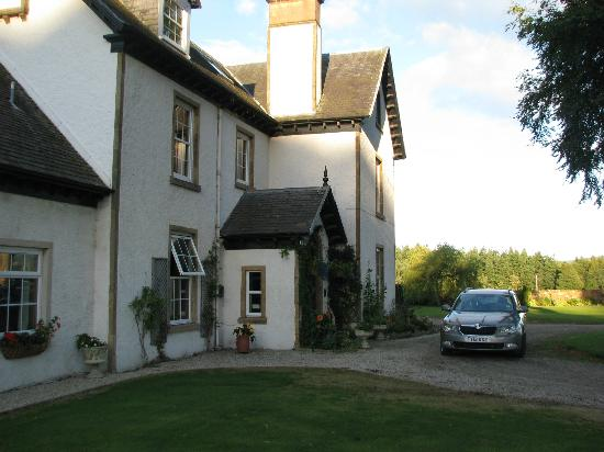 Trochelhill Country House Bed and Breakfast: Hotel and grounds