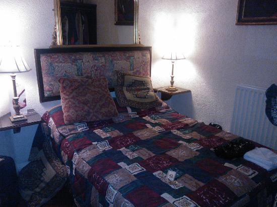 Exhibition Hotel: Bedroom