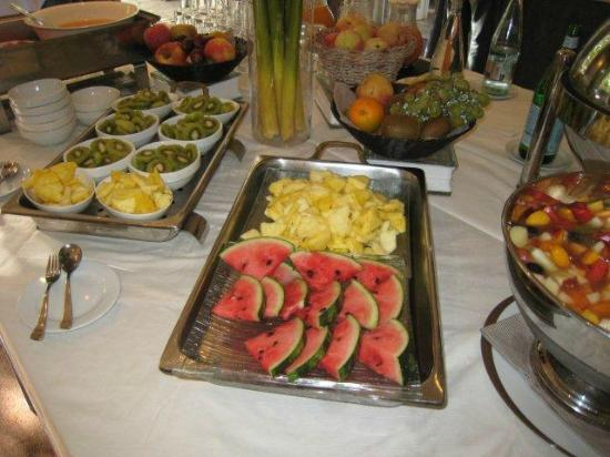 Hotel de Mougins : Breakfast buffet