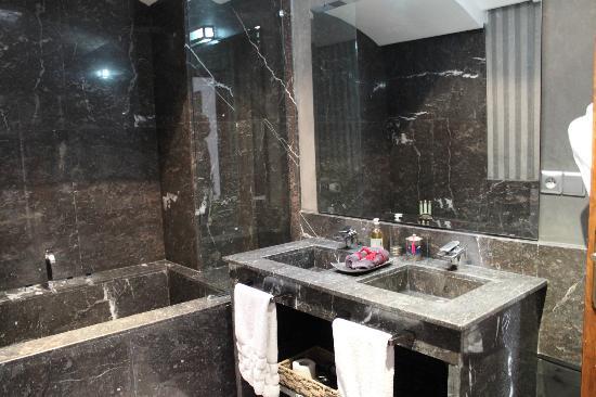 Riad Chayma: Salle de bain