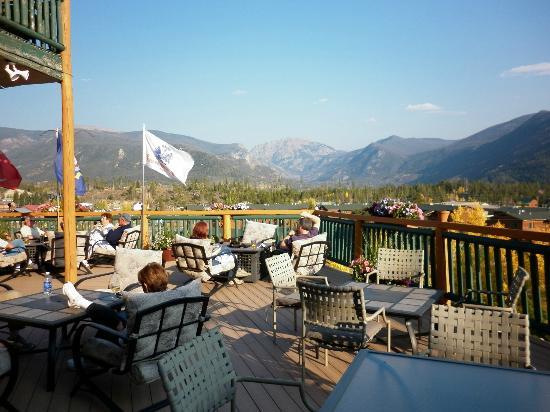 Gateway Inn: deck