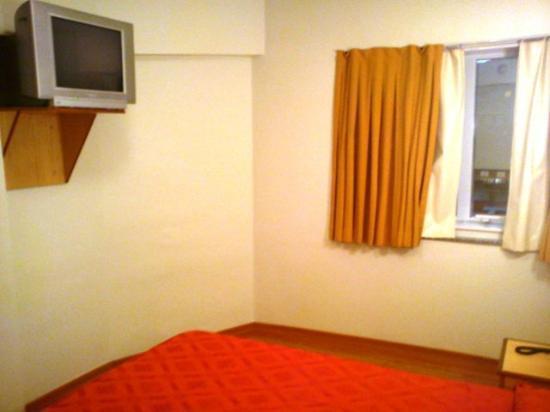 Scorial Rio Hotel: Esta parte do quarto, não atualizaram