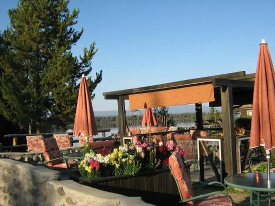 Anahim Lake, Kanada: Gazebo and Patio
