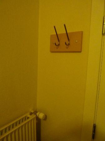 Zleep Hotel Copenhagen City: Armario