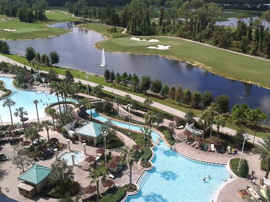Hilton Orlando Bonnet Creek: view of pool from our 11th floor room