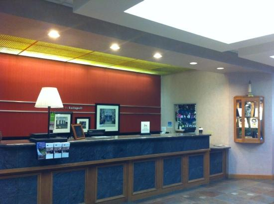 Hampton Inn Kalispell: Front desk