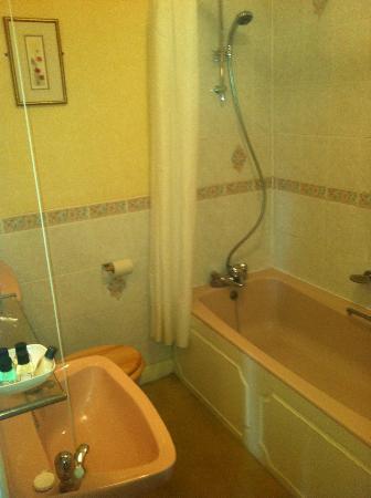 Royal Beacon Hotel: Bathroom