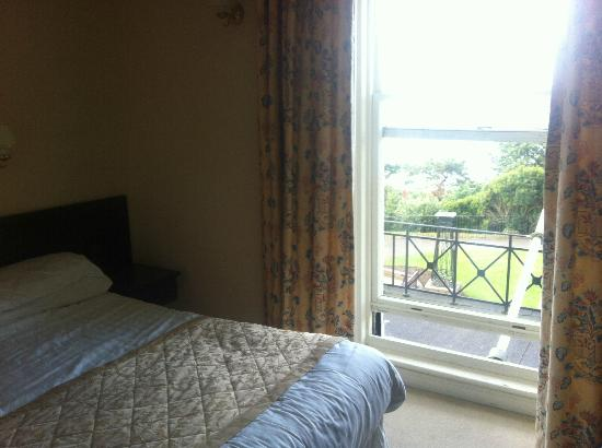 Royal Beacon Hotel: Room and view
