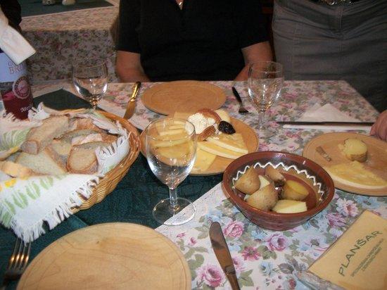 Sampler Platter of Cheeses at Plansar
