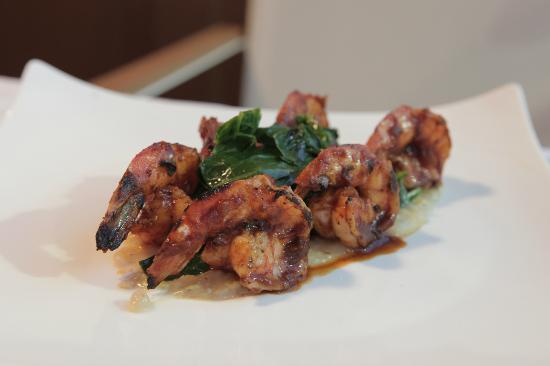 Red Fish: Shrimp & Grits