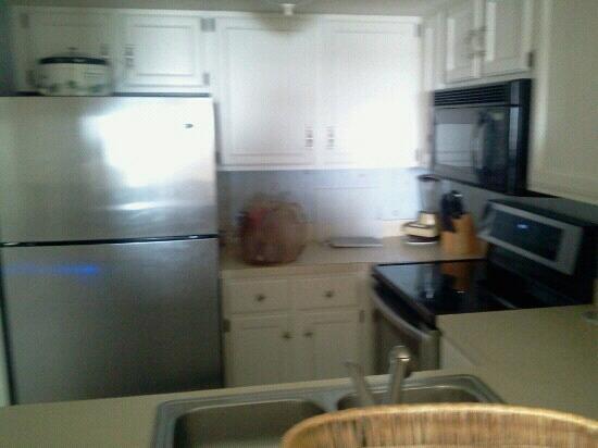 St. Augustine Ocean & Racquet Resort: kitchen
