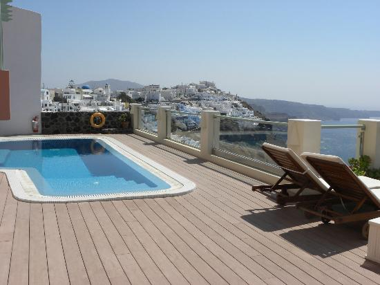Ira Hotel & Spa: Pool with a view
