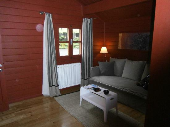 Hotel Village Aosta: salottino