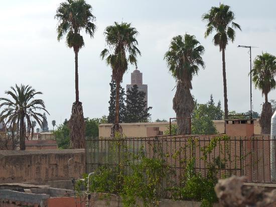 Riad Moulay: Vue sur la mosquée Koutoubia à partir de la terrasse du riad.