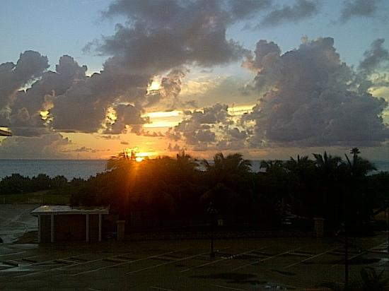 SeaSpray Inn Beach Resort: If you get up early enough, you can see a beautiful sunrise