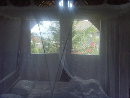 Flower Bud Bungalows Balangan: lit double à l'etage