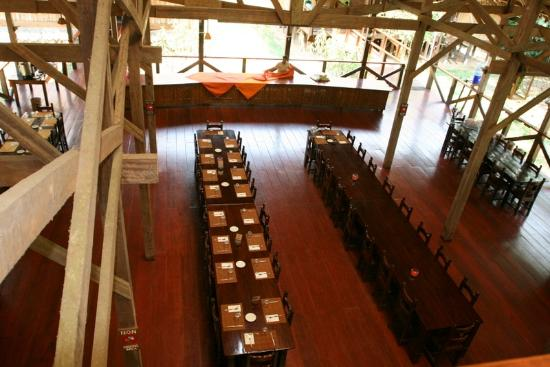 Refugio Amazonas: Dining area viewed from upstairs in lodge