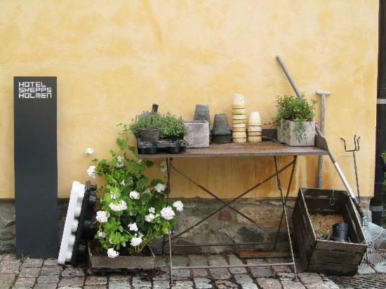 Hotel Skeppsholmen: Garden tableau