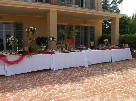 Villa Morneto: Aperitivo a buffet