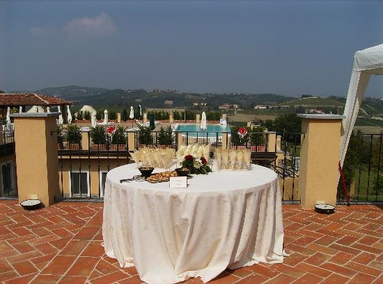 Villa Morneto: Piscina con panorama