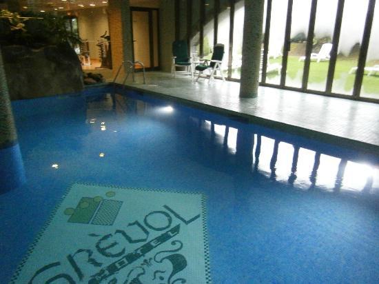 Hotel Grevol Spa: Piscina con vistas al exterior + mini gimnasio