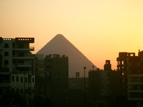 Grand Pyramids Hotel: view from balcony at sunset