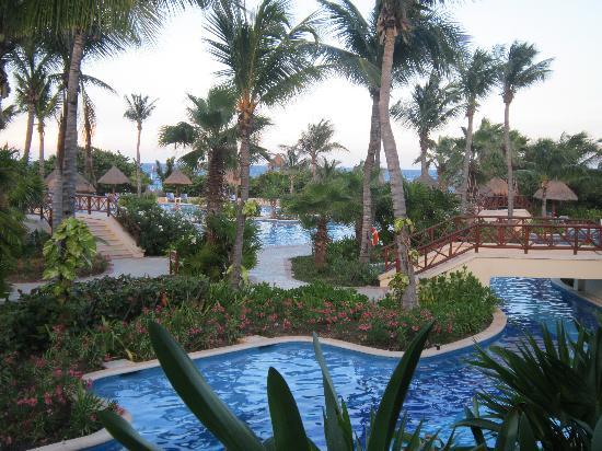 Grand Bahia Principe Tulum: One of the pools at the hotel