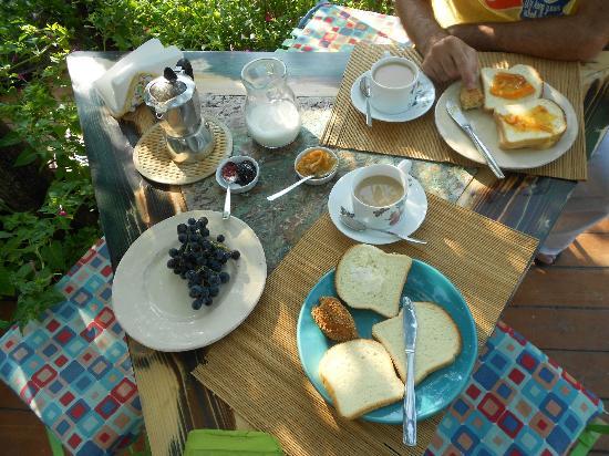 Bed & Breakfast Erbavoglio: Colazione fantastica...ricca e genuina!