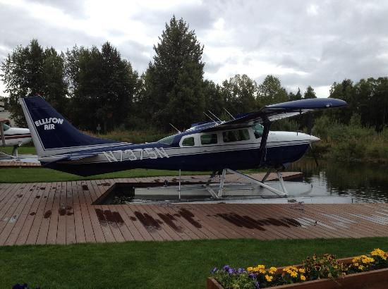 Crowne Plaza Anchorage-Midtown: Private Sea Plane Ride up top the mountains