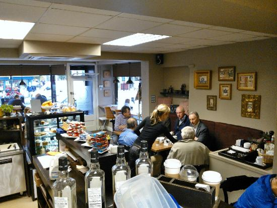 Aroma Coffee House: busy every day